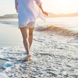 Artrosi all'anca e al ginocchio: gli esercizi da fare in acqua